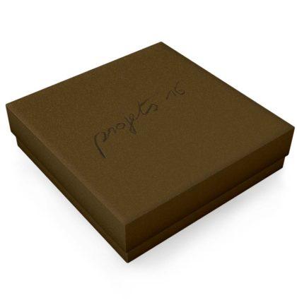 Projets 16 - Création graphique - Packaging boîtes pour t-shirt luxe - Dreampix Communication Antibes