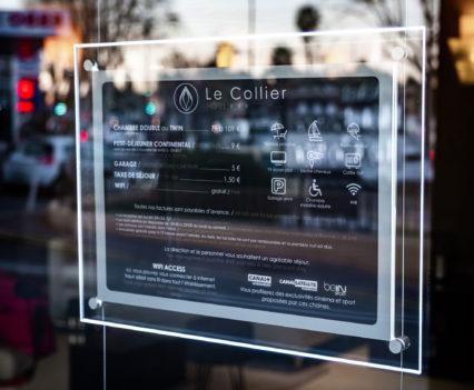 Cadres LED plexi suspendus par DreamPix pour Le Collier Hôtel-Restaurant